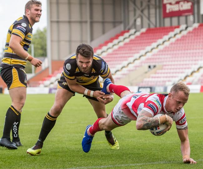 Kevin Brown try for Leigh. Picture: Richard Walker
