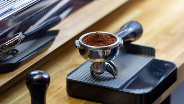Leigh Journal: A kitchen scale can help you navigate the bean-to-water ratio for the perfect brew. Credit: Getty Images / Chepko