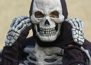 Leigh Journal: Paul Tollafield in the skeleton outfit he is planning to wear while running the Swindon Half-marathon Ref: 99280-70