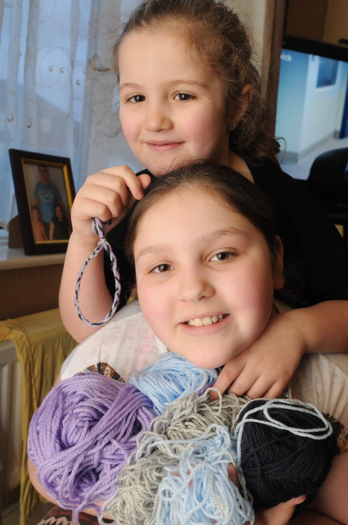 Sisters secret fundraising for Atherton parents' wedding
