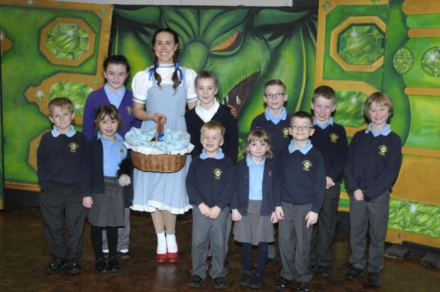 Pupils met Dorothy, played by Stephanie Lowe, and Toto after a perfromance of the Wizard of Oz