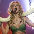 Leigh Journal: Oh my god, you can now add Britney's VMA snake to your Twitter pictures and it is perfection