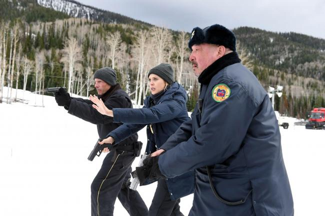 Hugh Dillon, Elizabeth Olsen and Graham Greene in Wind River