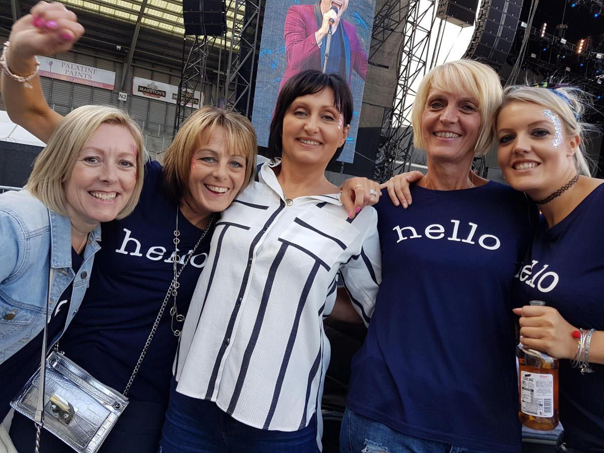 Pictures lionel richie revellers full of praise for singers pictures lionel richie revellers full of praise for singers performance and atmosphere at gig m4hsunfo