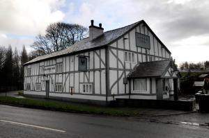 Plans to demolish the Raven Inn pub in Glazebury have been withdrawn by the developer