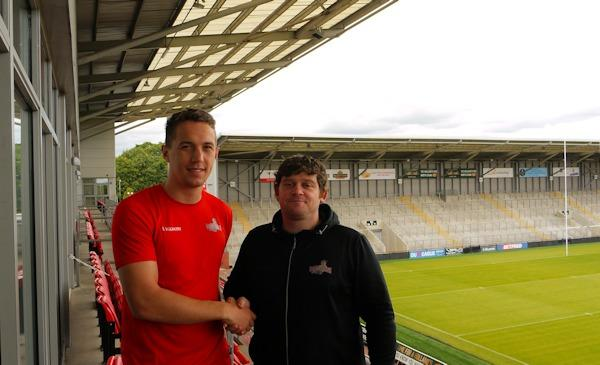 Liam Forsyth welcomed to Leigh by John Duffy